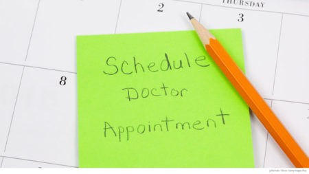 Reminder note on calendar to make doctor appointment